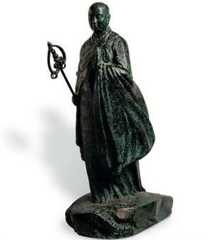 九十年 代以来创作设计的城市雕塑《林则徐》,乐神《葛天氏》