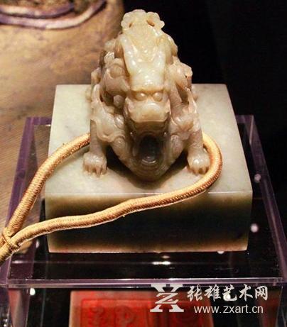 北京故宫国宝级文物现身加拿大展
