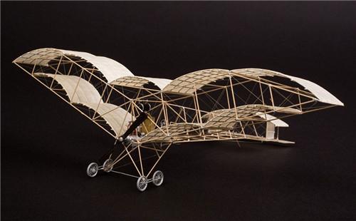 0年制作的飞机模型-张雄