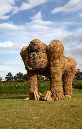 秸秆艺术造型雕塑欣赏